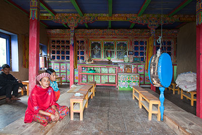 20091116-103544_C5D21_Gompa