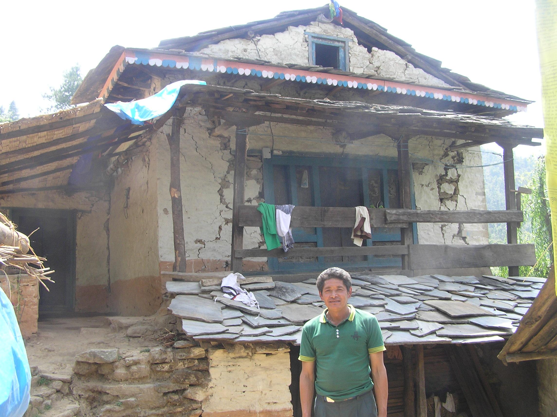 Craked-house-of-Sanaman-Tamang-Duble