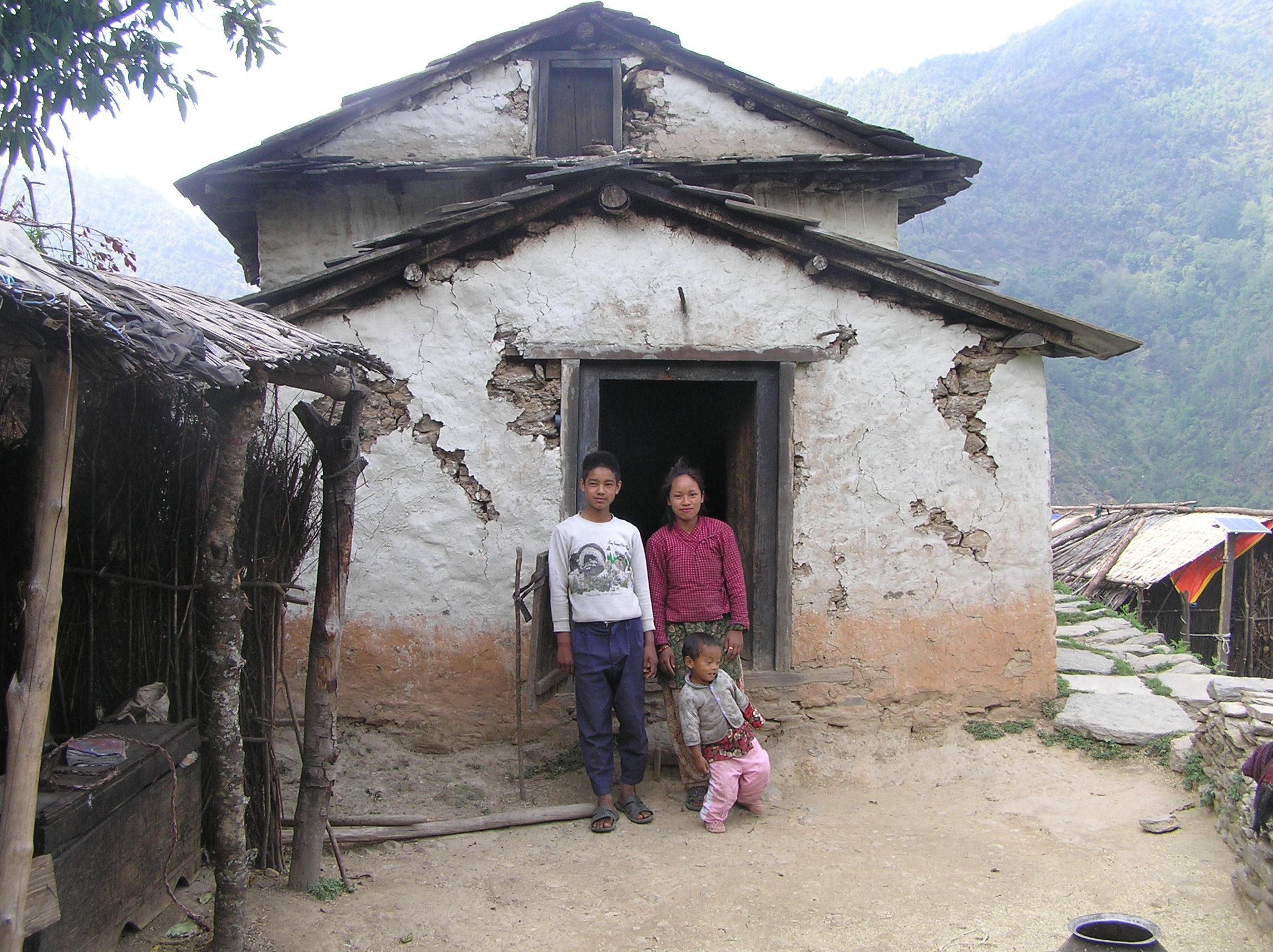 Dal-Bahadur-Tamangs-damaged-house