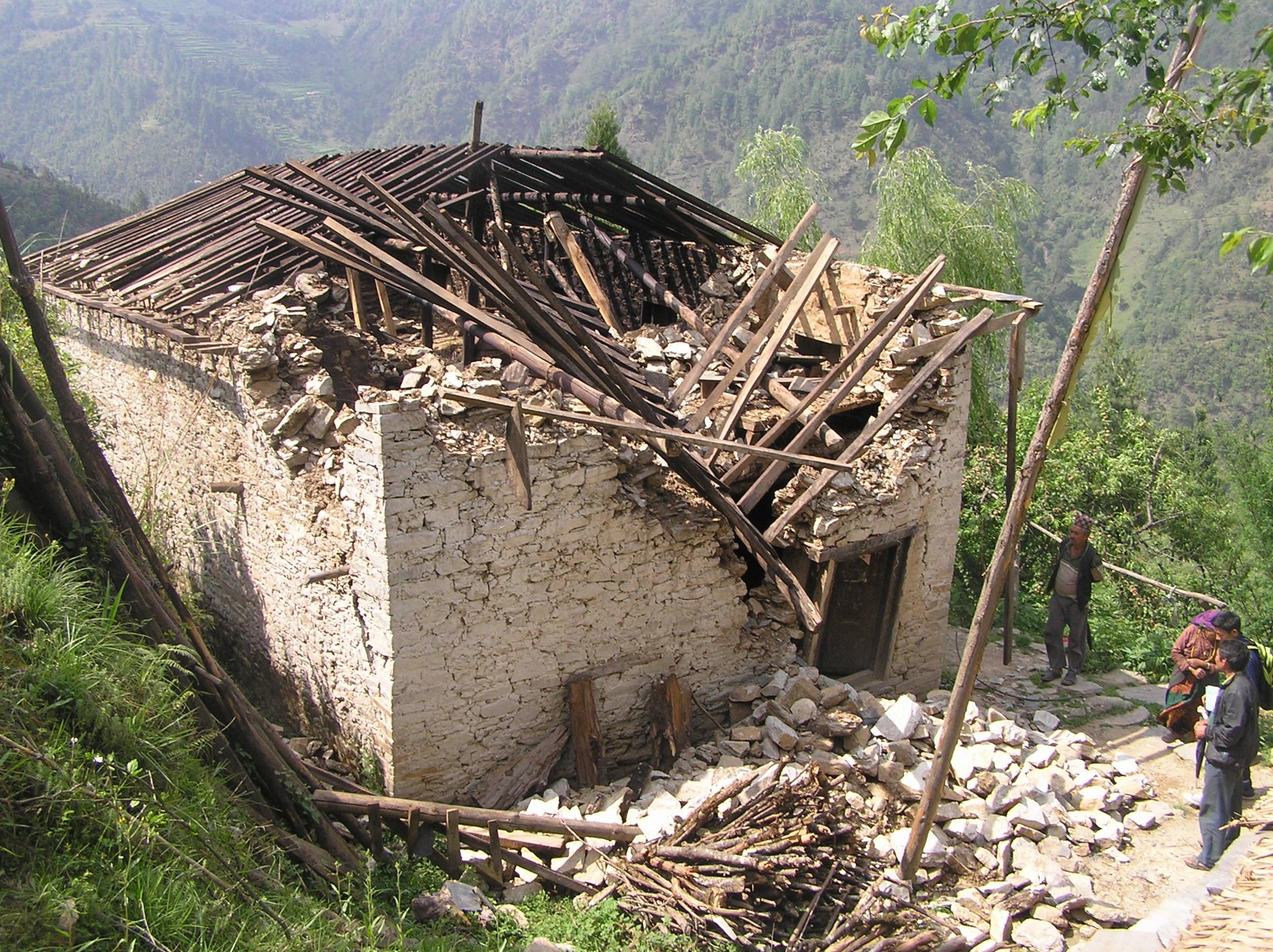 Damaged-house-of-Garma-Sherpa-at-Duble