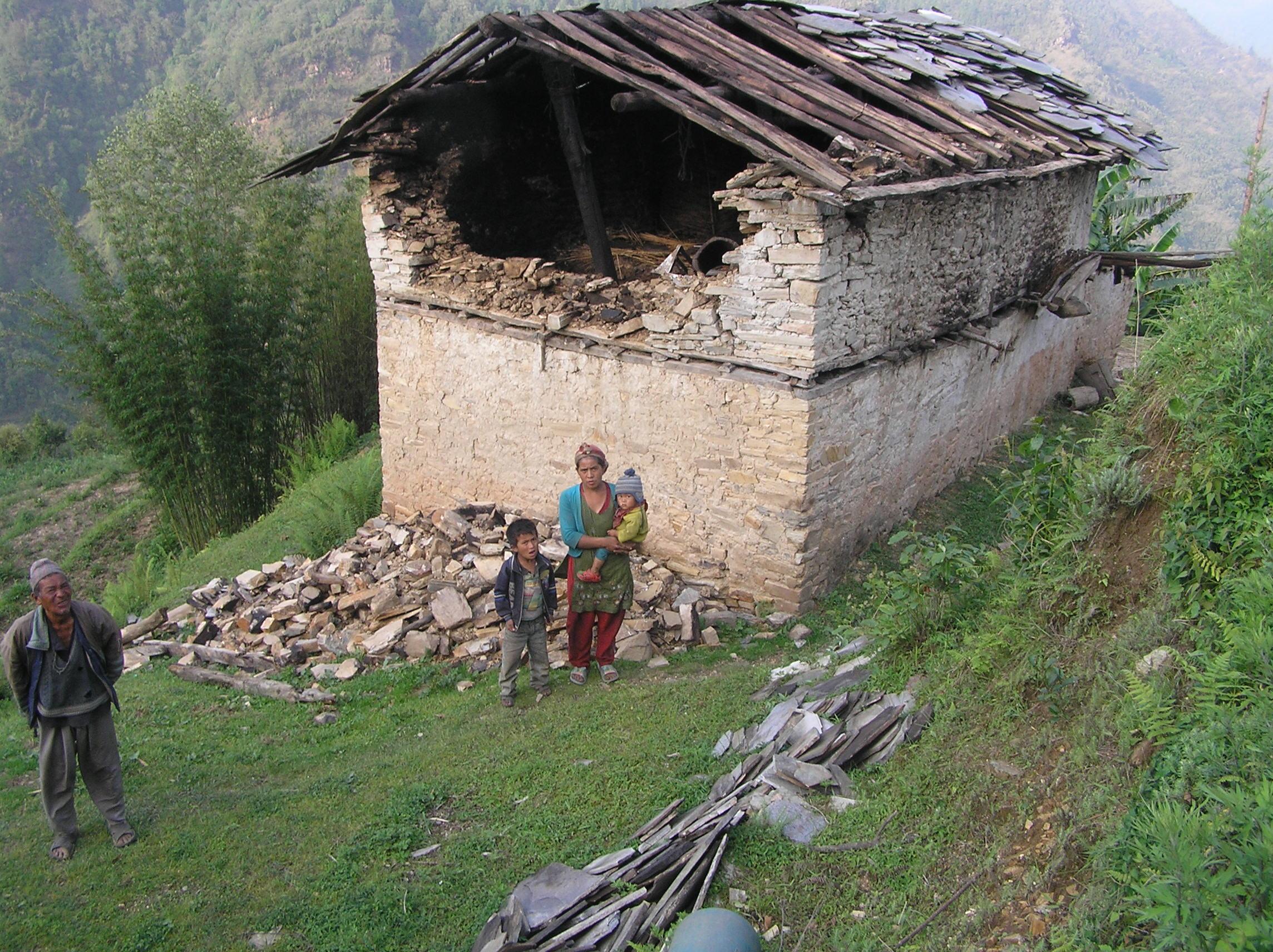 Damaged-house-of-Janga-Bahadru-Tamang-a-teache-at-Jana-Jyoti-School-Duble